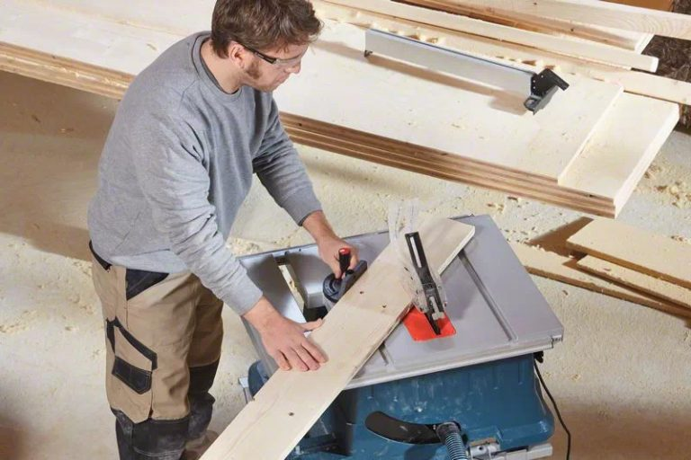 Bosch GTS 635-216 Table Saw Top View